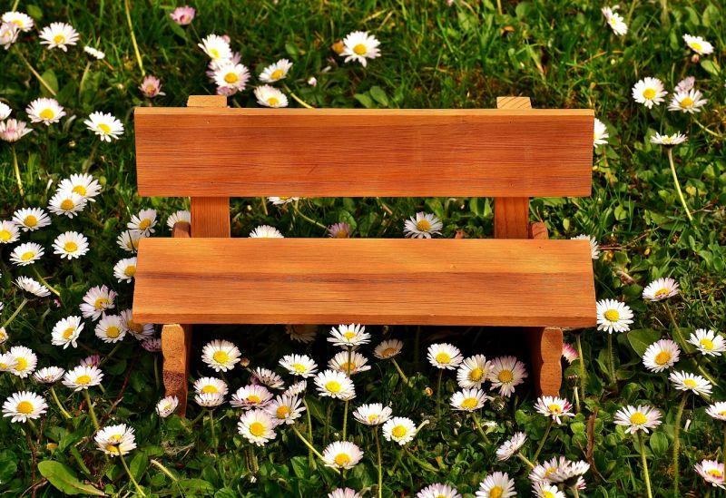 Orginalne i eleganckie meble z drewna tekowego