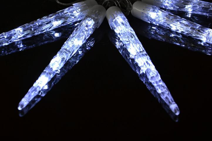Świąteczne lampki - sople, zimna biel, 8 funkcji