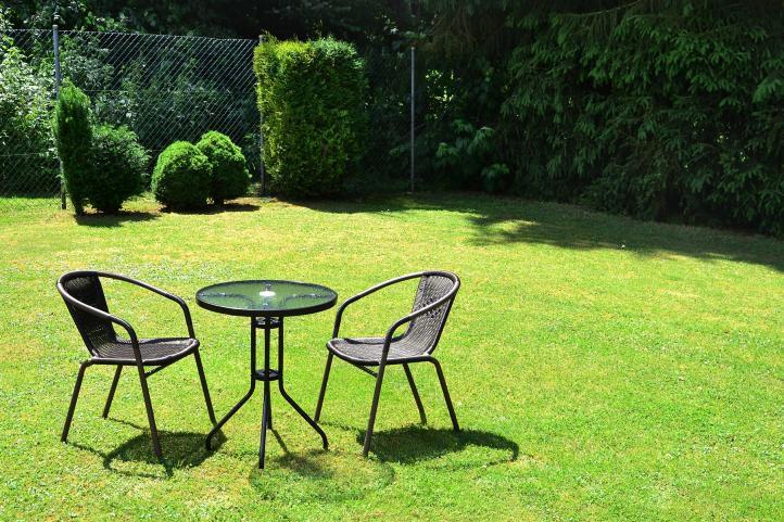 Komplet Bistro stół + dwa krzesła Garth