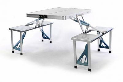 Składany stół alumiowy z zabudowanymi ławami
