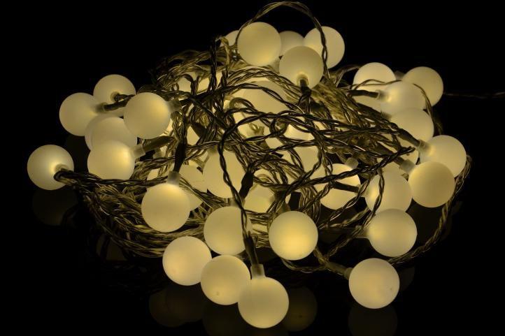 Ogrodowe oświetlenie – zewnętrzne diody 50 LED ciepły biały