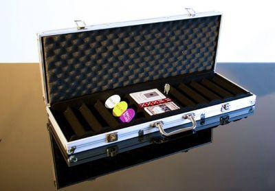 Walizka aluminiowa na 500 żetonów do pokera z akcesoriami