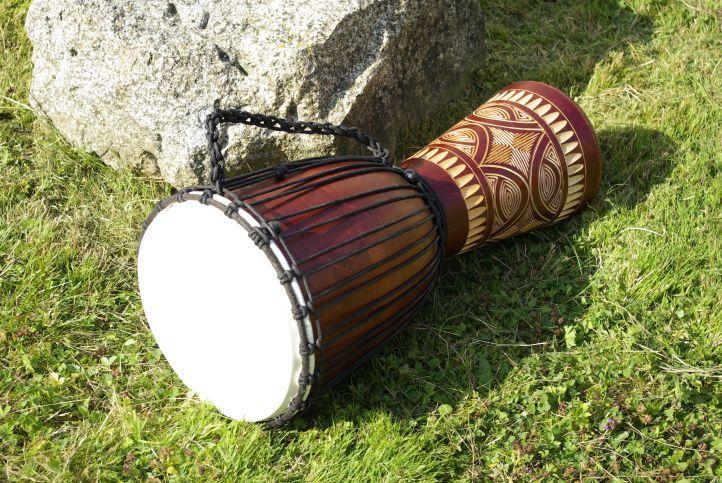 Bęben djembe - etniczny instrument z Afryki 60 cm