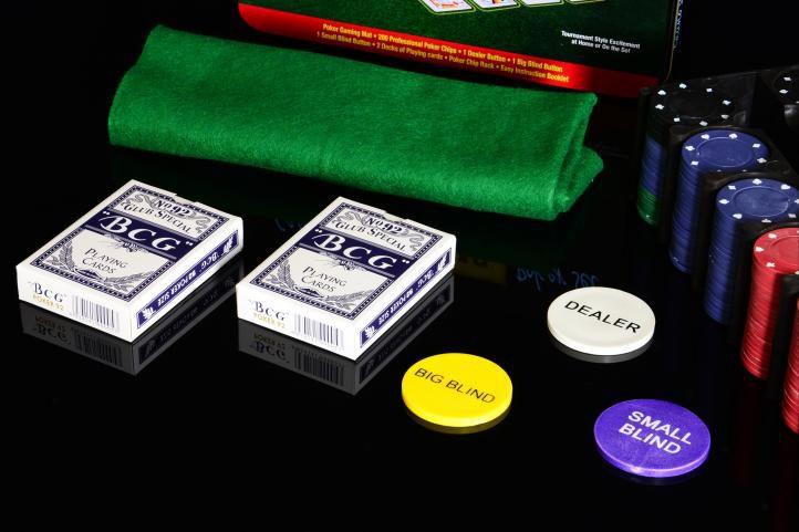 Zestaw do pokera 200 szt  w blaszanym pojemniku