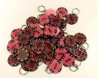 Breloczki na klucze żetonem - 48 szt. brązowe/różowe